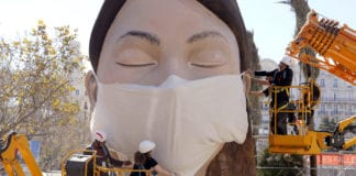 Should we all wear masks to slow COVID-19? Some experts are shifting their advice.
