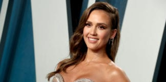 Netflix planning a new thriller Trigger Warning, Jessica Alba signed up for the lead role.