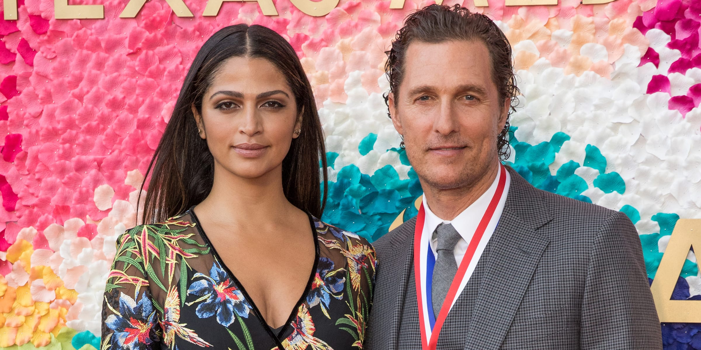 Oscar Winning Actor Matthew Mcconaughey Wife Camila Alves Deliver 110 000 Face Masks To The Hospitals Of Texas Andover Leader