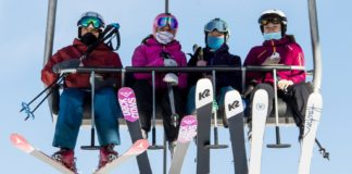 Police struggle to keep skiers off the slopes amid COVID lockdown